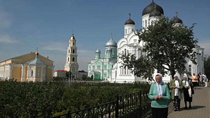 Паломникам на Днях памяти Серафима Саровского выдадут маски и измерят температуру