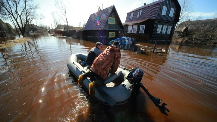Всё плавает: Из амурской Атлантиды эвакуируют людей из-за паводка - фото
