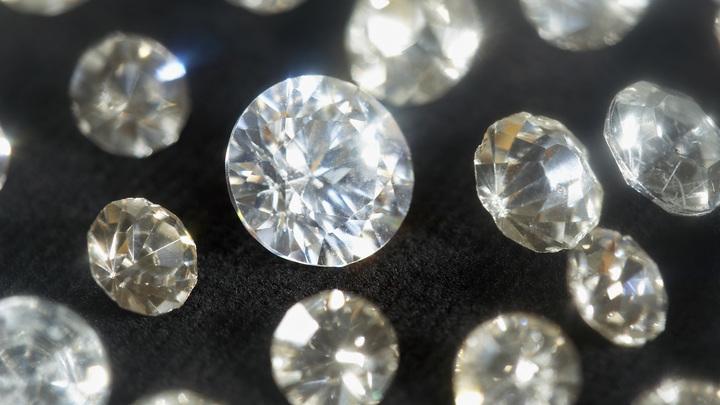 Других вариантов нет: 500 бриллиантов на 22 млн рублей украли для продажи за границей - эксперт