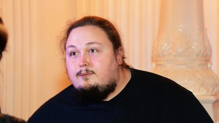 Потрачу все силы, чтобы найти, кто это выложил: Сын Никаса Сафронова грозит автору видео его туалетного конфуза