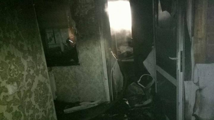 Полыхает весь подъезд: Появились фото и видео с места взрыва в Химках