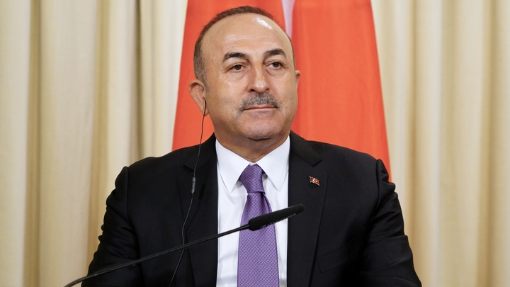 Макрон - врун и популист: В Турции ответили на заявления президента Франции о России