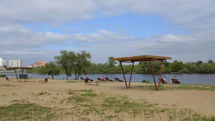 Жители Кургана негодуют: Когда откроют пляжи для купания