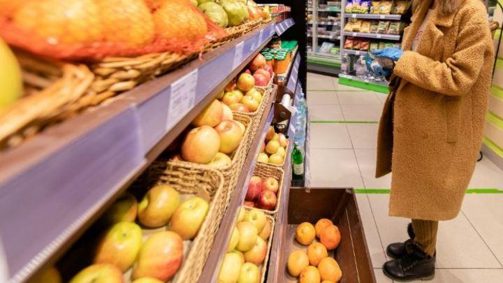 В Магнитогорске следователь несколько дней воровал продукты из супермаркета