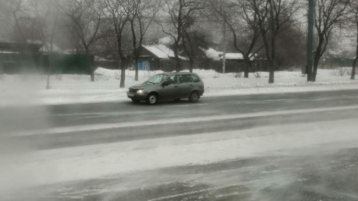 Миндортранс: заносы на дорогах в Челябинской области достигают 2,5 метров