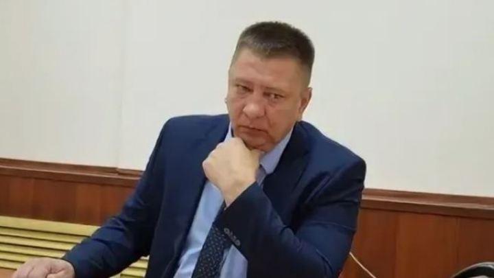 Плохой начальник курганского департамента ЖКХ получил грамоту в день отставки