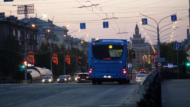 Проверяющие стали снимать на видео безбилетников в Новокузнецке