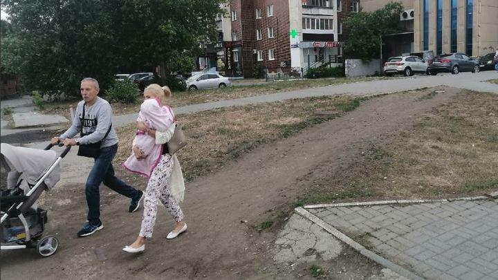 Челябинцы попросили губернатора пройти по городу с детской коляской