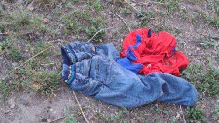 Магнитогорск встревожен: полиция ищет того, кто оставил детские вещи на берегу озера