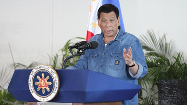 Богохульная инициатива президента Филиппин вызвала резкую критику в стране