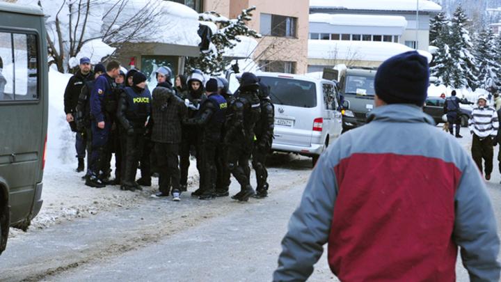 Русские «сантехники-шпионы»: Как в Давосе снова обвиняют Россию