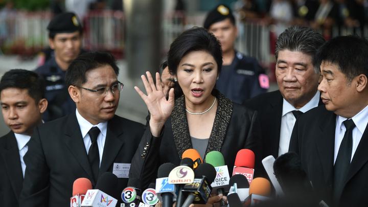 Власти Таиланда натравили Интерпол на тайно бежавшего из страны экс-премьера