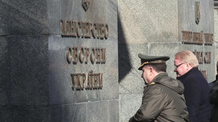 Российские пранкеры звонком о Захарченко не дали спать министру обороны Украины