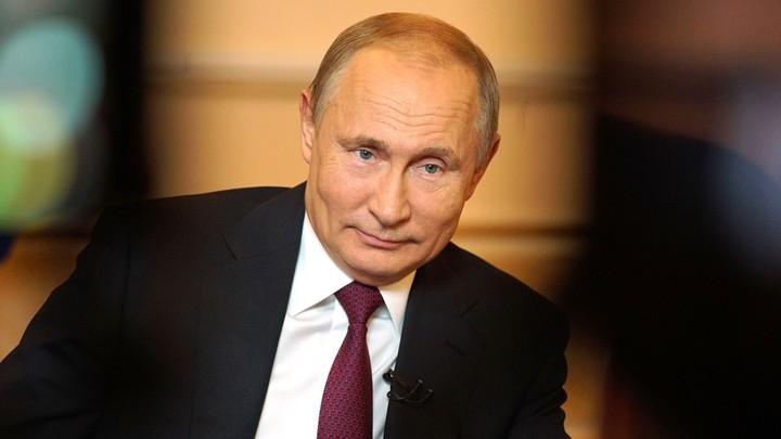 Владимир Путин и тайная комната: Президент России раскрыл секреты о работе, внуках и войне