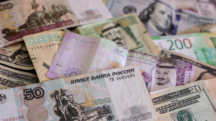 От финансирования терроризма до торговли наркотиками: Электронные кошельки возьмут в России под контроль