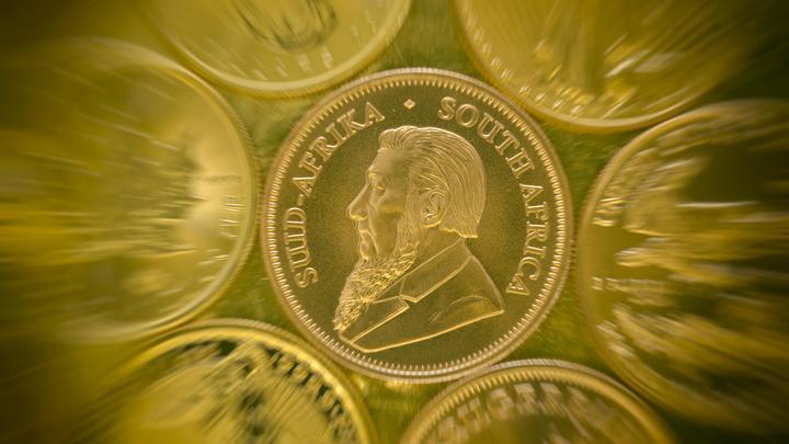 Лучше всего в монетах: Русским дали совет, как сберечь деньги