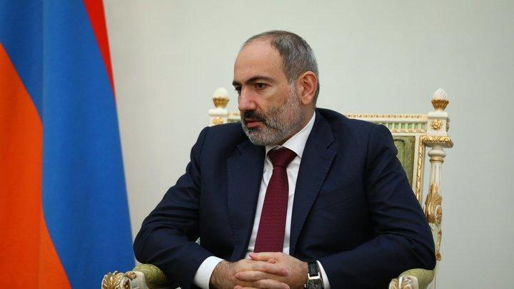 Пашиняна в отставку: ГШ ВС Армении перешёл красную черту