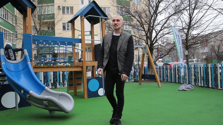 138 500 бутылок-«полторашек»: Дима Билан открыл детскую площадку из переработанного мусора