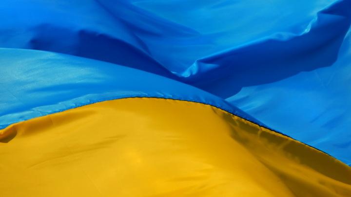 В Киеве скандал: украинский вояка оказался девушкой-конфеткой, уважающей русский мат