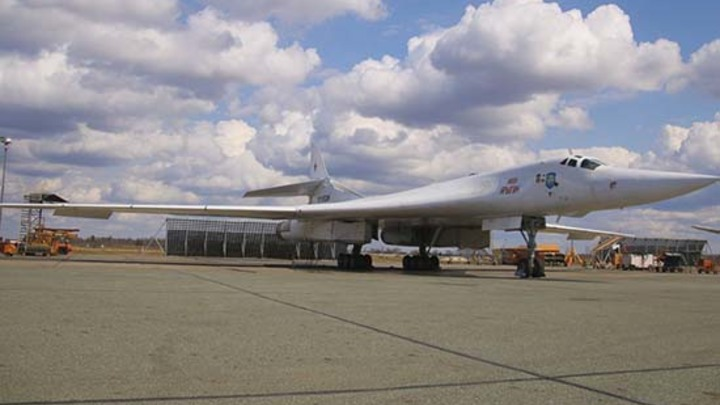 ВВС НАТО не зря боятся: Русские Ту-160 обновили рекорд и обошли всех