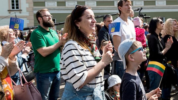 Отношения с Москвой, скандинавские банки и сбившийся с курса корабль: Что известно о кандидатах в президенты Литвы