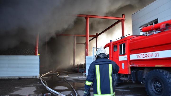 Склад ГСМ загорелся в Красноярске: Есть пострадавшие