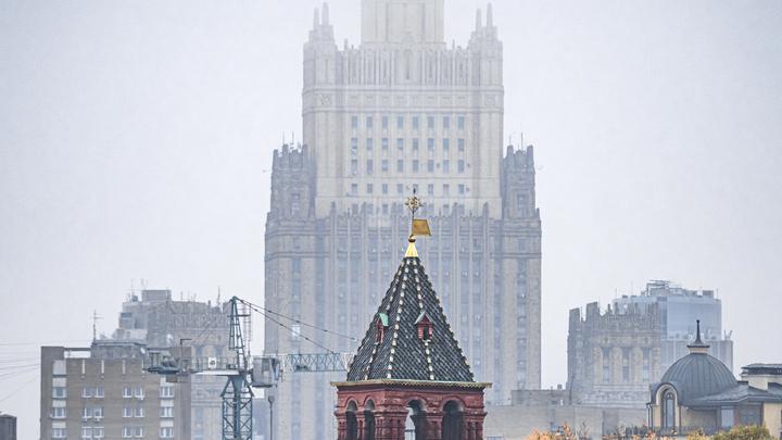 Вежливый русский ответ Чехии дополнил Баранец: Надо стрелять из орудий крупного калибра