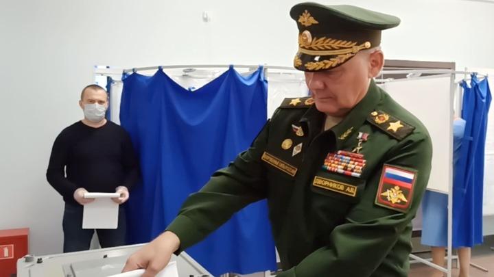 Командующий ЮВО Александр Дворников проголосовал на выборах в Госдуму в Ростове