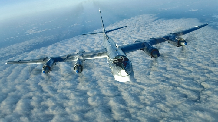 Ближе 100 метров не приближались: В Минобороны рассказали, как в США «перехватывали» Ту-95