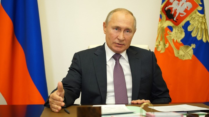 Запретят иностранное гражданство? Путин внёс законопроект о Госсовете