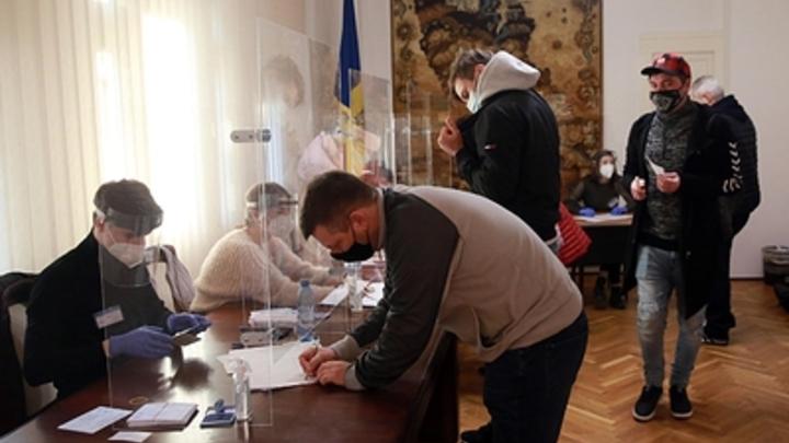 Кандидат Сороса победила официально. Молдавии грозит поглощение Румынией