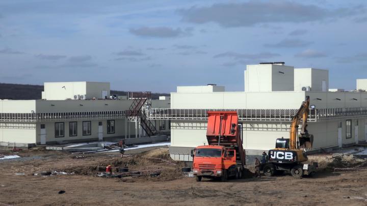 Новую инфекционную больницу под Ростовом строители обещают сдать в мае. Ждали в декабре 2020-го