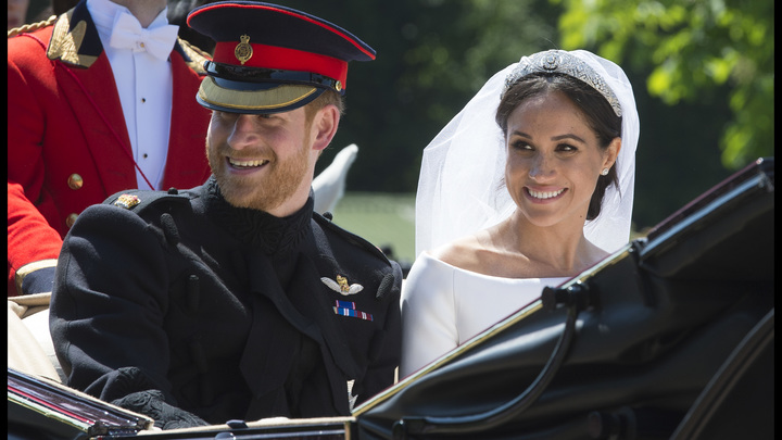 «Толерантность королевского мозга»: В Сети высмеяли темнокожую супругу британского принца