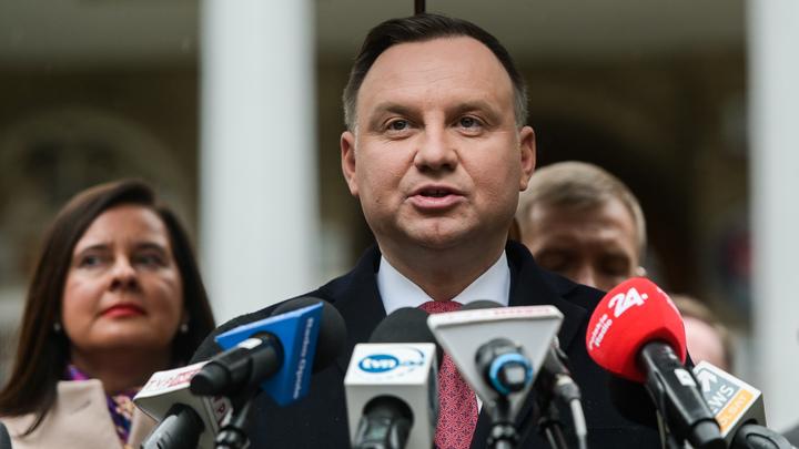 Выборы президента по почте - ради безопасности: В Польше оппозиция и власти вступили в спор о голосовании