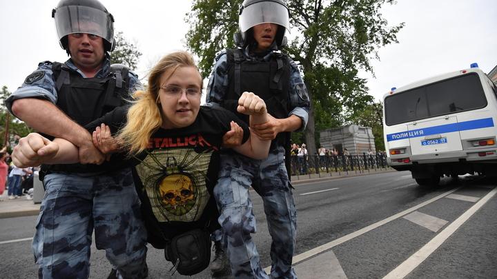 Пахнет Соросом: Западные пользователи соцсетей назвали протесты в Москве частью глобального зла