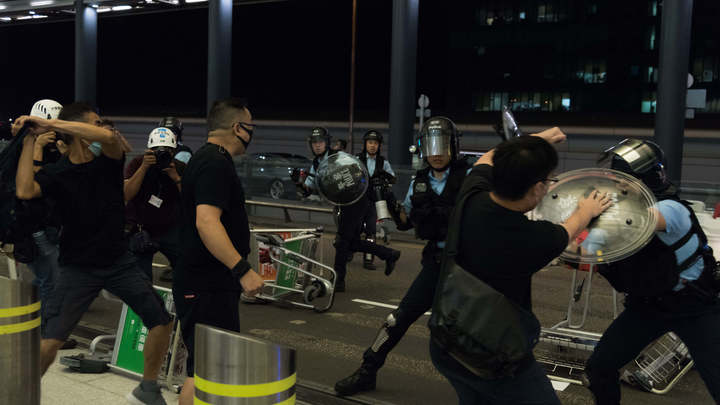 Бивис и Баттхед вместо воинов света: Живущий в Гонконге русский блогер о городских протестах