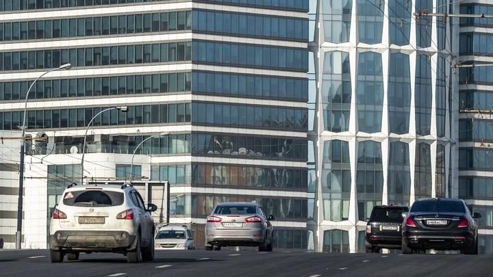 Ждите саморезов на дорогах: России предсказали бунт обиженных бедняков-автовладельцев
