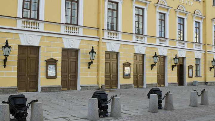 Забитый под завязку зал: Михайловский театр устроил аншлаг на «Золушке», несмотря на запреты