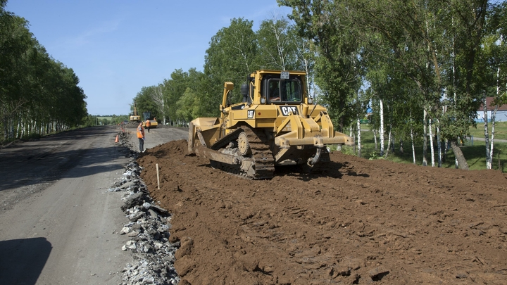 В Новосибирской области начали ремонтировать дороги по нацпроекту
