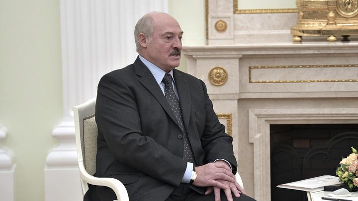Российская Федерация иСША могут дойти доядерной войны за пару минут — Лукашенко