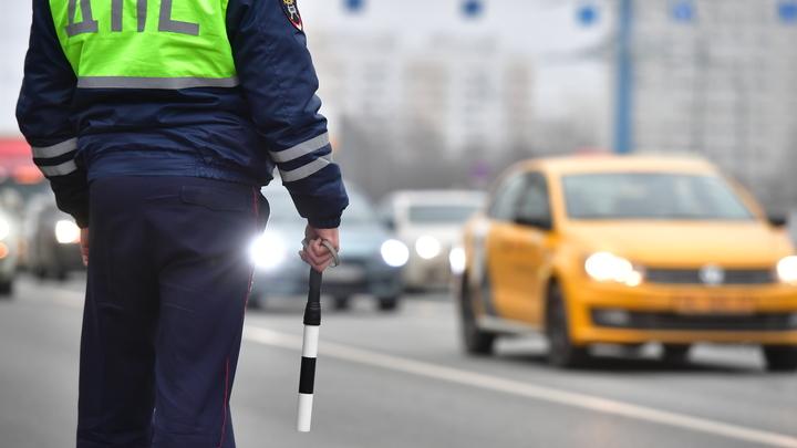 Просто в России они бывают редко: Активисты просятразрешить водителям ездить по иностранным правам - СМИ