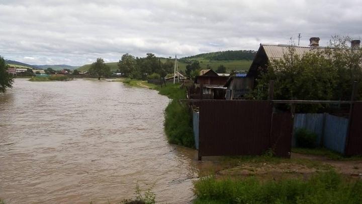 Вода не спешит покидать поймы забайкальских рек