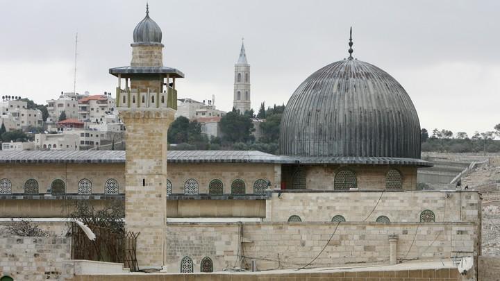 Израиль примет туристов с 1 июля. Но не всех
