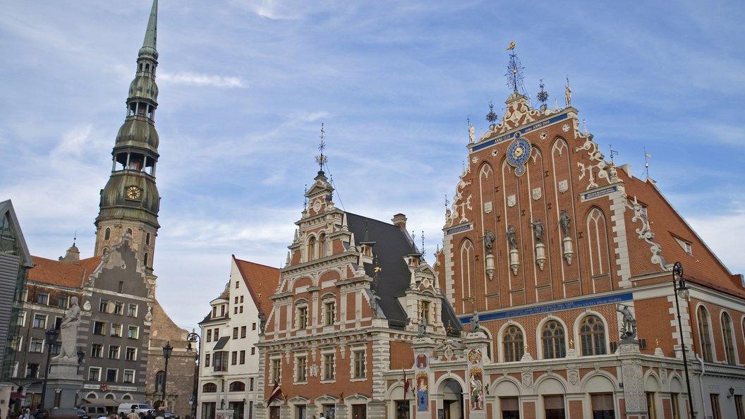 Насаждение латышского языка в русских школах оспорят в Конституционном суде