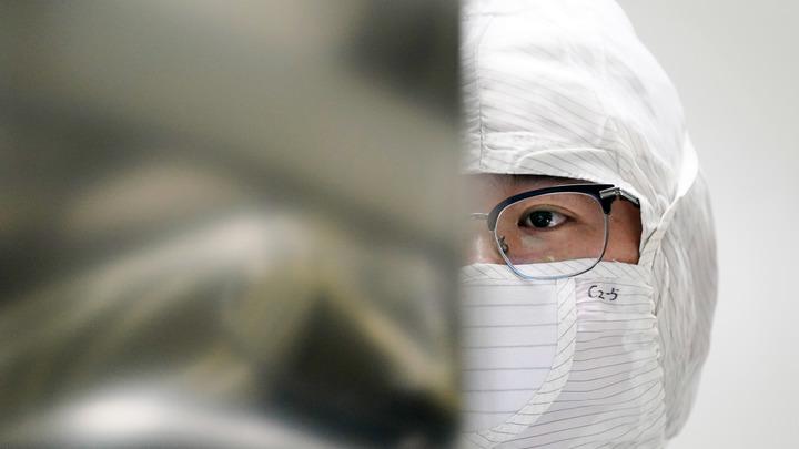 Тесный контакт: В Китае открыли неожиданный способ передачи коронавируса
