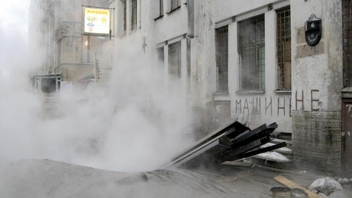 Многоэтажный жилой дом в Новосибирске затопило после включения отопления