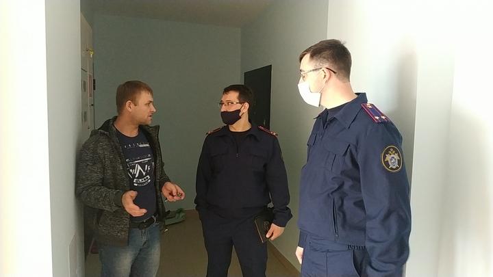 На Кубани офицеры СК России помогают детям-сиротам в получении жилья