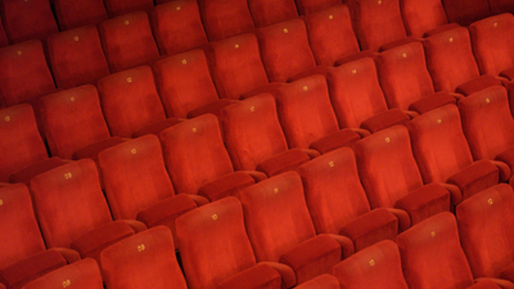 В Госдуме хотят помочь кинотеатрам с наказанием зрителей без масок