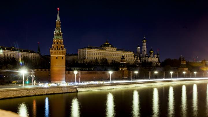 Погодно-ремонтный кошмар: Москва встала в восьмибалльных пробках