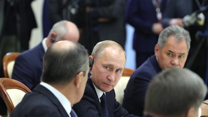 """""""Может, бахнем?"""": """"Секретная"""" запись беседы Лаврова, Шойгу и Путина восхитила Рунет"""